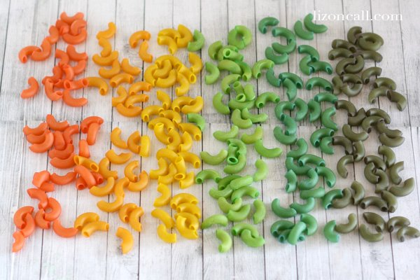 How to dye pasta to use in crafting