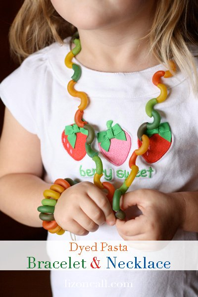 This pasta bracelet and pasta necklace is a fun kid craft that even the littlest fingers can do.