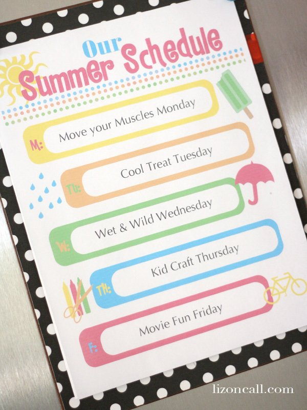 keep the kids busy this summer with this summer schedule free printable #summer #printable #kids