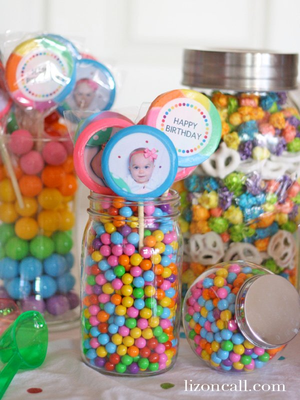One sweet year rainbow birthday party with candy bar and Lollipics #birthday #rainbow #party #lollipics (lizoncall.com)