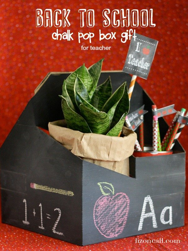 Make a chalkboard drink carrier to fill with school supplies the teacher will love. #backtoschool #teacher #gift (lizoncall.com)