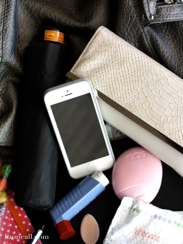 What's in my bag - Liz on Call