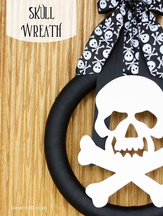 Simple Skull Wreath for #halloween #wreath