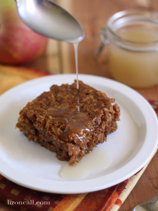 apple pudding cake with caramel sauce - lizoncall.com #apple #cake