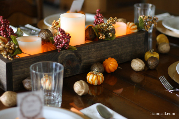 Let your loved ones know you are thankful for them with these printable thanksgiving place cards. A simple table scape idea.