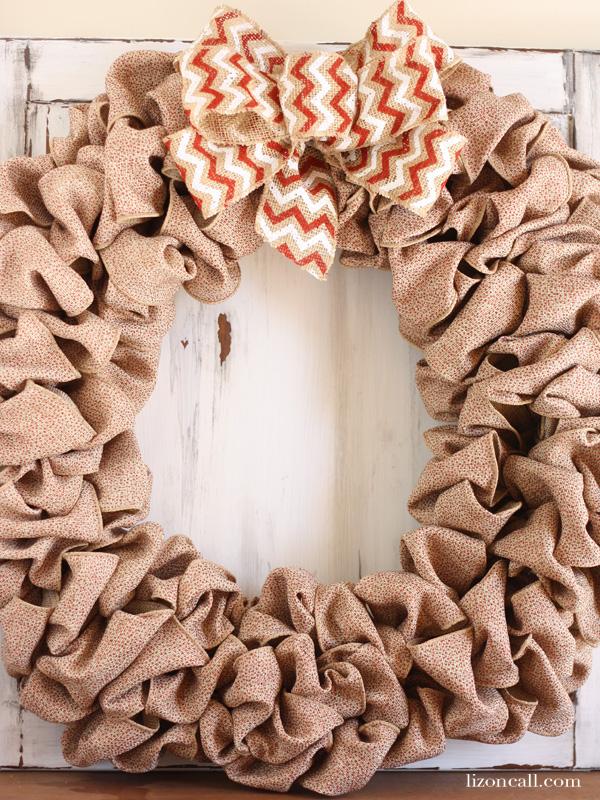 How to make a burlap wreath - lizoncall.com