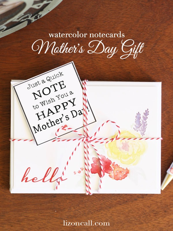 Make mom some personalized note cards - mother's day gift idea - lizoncall.com