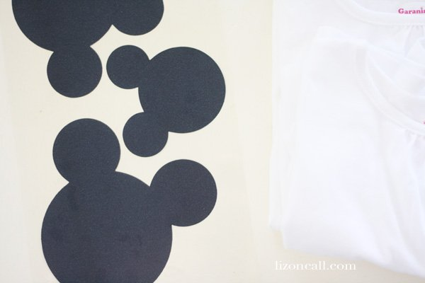 Easy Mickey Mouse t-shirt tutorial using iron on vinyl