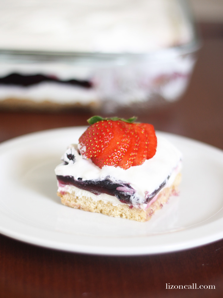 Red, white and blueberry cream pie bars are a festive cool dessert, perfect for summer - lizoncall.com