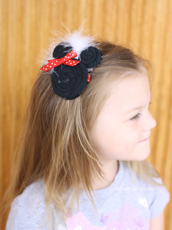 Minnie Mouse Headband Tutorial. This Minnie Mouse headband is so cute!  It's made from an old t-shirt.  This would be fun to make for your next Disney trip.