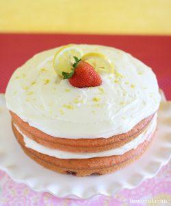 http://lizoncall.com/wp-content/uploads/2015/06/Strawberry-Cake-2-250x300.jpg
