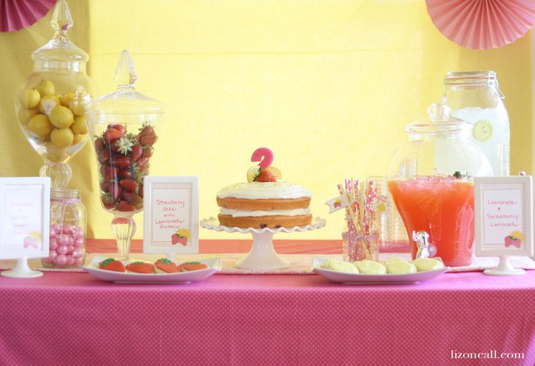 http://lizoncall.com/wp-content/uploads/2015/06/Strawberry-Lemonade-Party-8.jpg