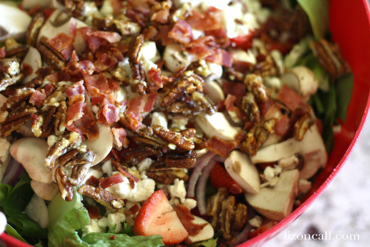 strawberry spinach salad loaded with pecans, bacon, mushrooms, onions and topped with lemon poppyseed dressing. So good! - lizoncall.com