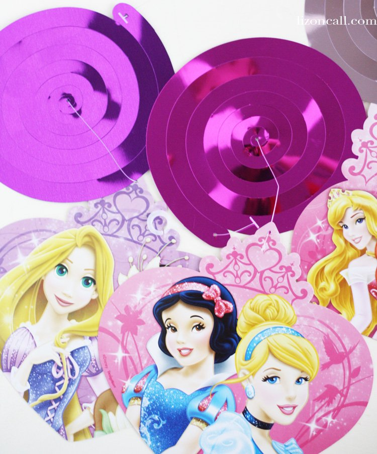 Tips, tricks and printables how to host a perfect princess birthday party