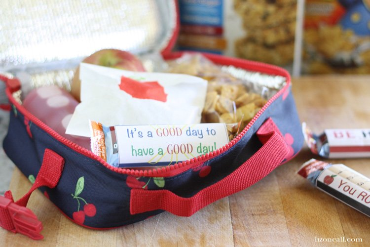 School lunch box ideas, with printable quaker chewy granola bar printable wrappers  #quakertime #ad