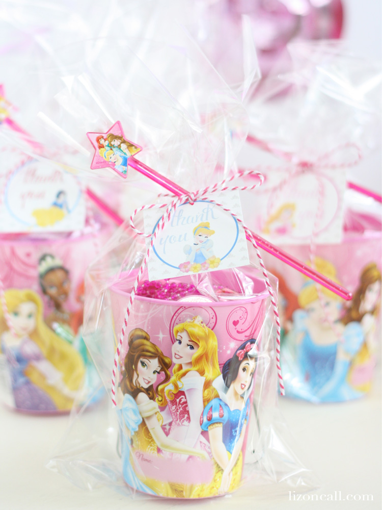 How to host the perfect princess birthday party - tips, tricks and free printables