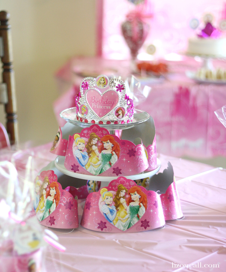 Fun princess birthday party with lots of tips, tricks and printables #bdayonabudget #ad