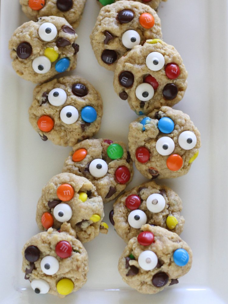 These mini monster cookies are spooktacularly fun to make and a perfect halloween party treat