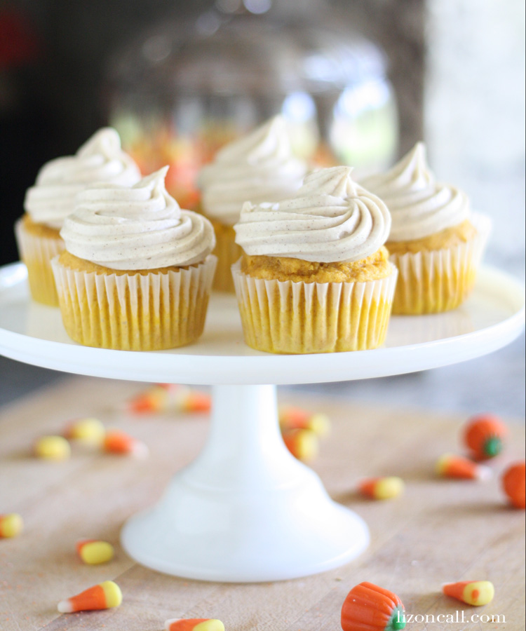 Cinnamon cream cheese frosting is so easy and tastes so good on all things fall baking! - lizoncall.com