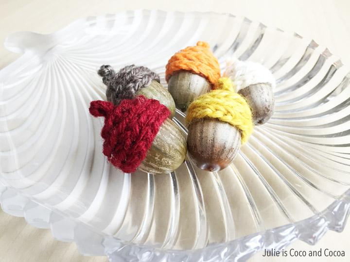 http://lizoncall.com/wp-content/uploads/2015/11/acorn-cap-crochet.jpg