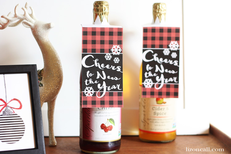 Printable bottle gift tags make a great gift for the neighbors this holiday season. - lizoncall.com