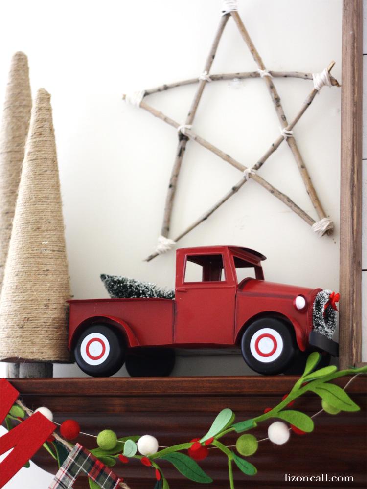 Rustic charm Christmas Mantel - lizoncall.com