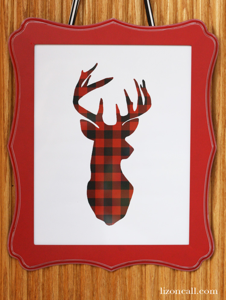 Free printable buffalo check deer silhouette to add to your holiday decor. Can be printed up to 11x14