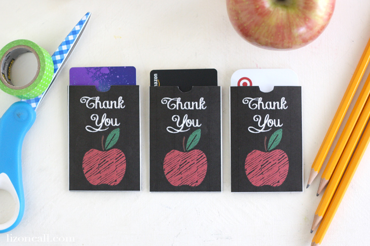 Teachers love gift cards! Get this Free printable teacher appreciation gift card holder.