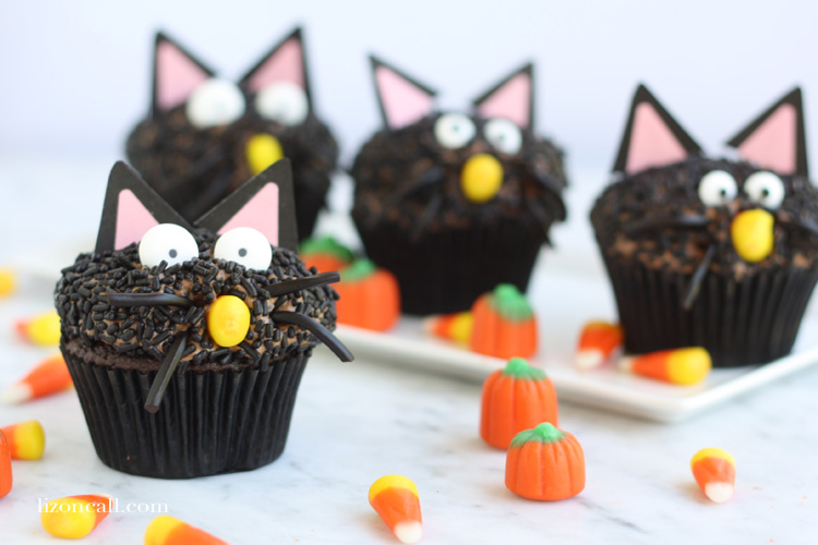 These black cat cupcakes are a fun, cute and not so spooky addition to any Halloween party!