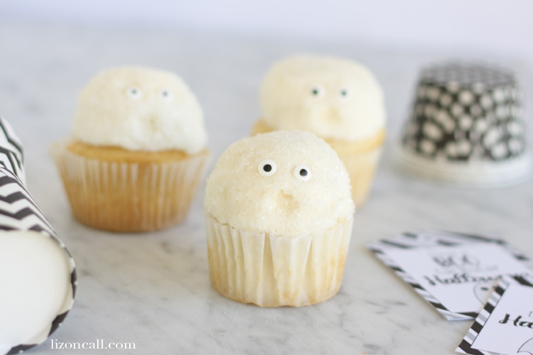 Ghost cupcakes are a fun way to wish your friends and family a Boo'tackular Halloween!