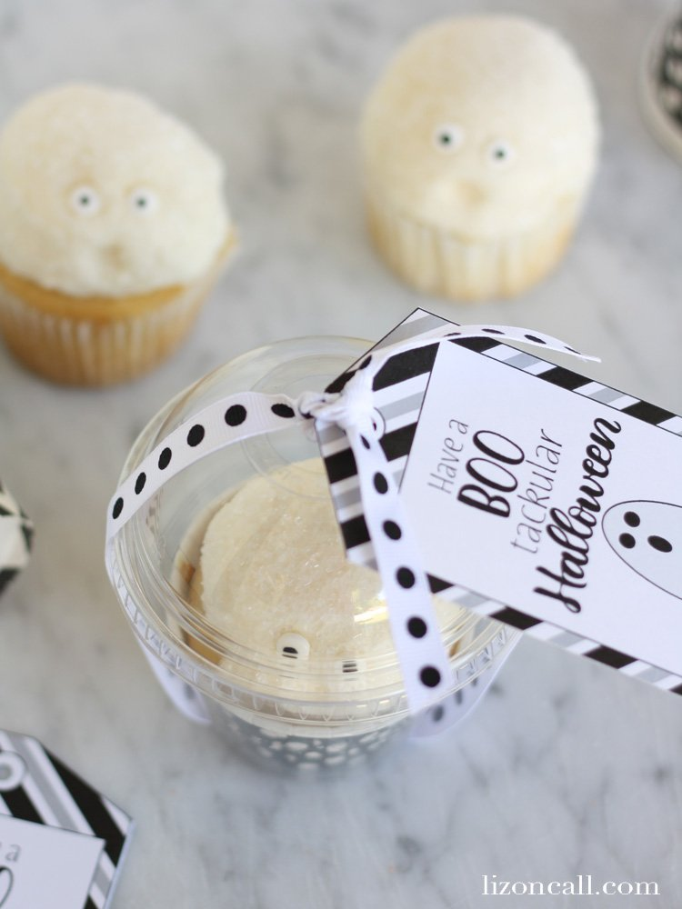 These free printable halloween gift tags are a fun way to wish your friends and family a boo'tackular Halloween!