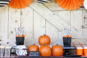 http://lizoncall.com/wp-content/uploads/2016/10/Pumpkin-Decorating-Party-6-300x200.jpg
