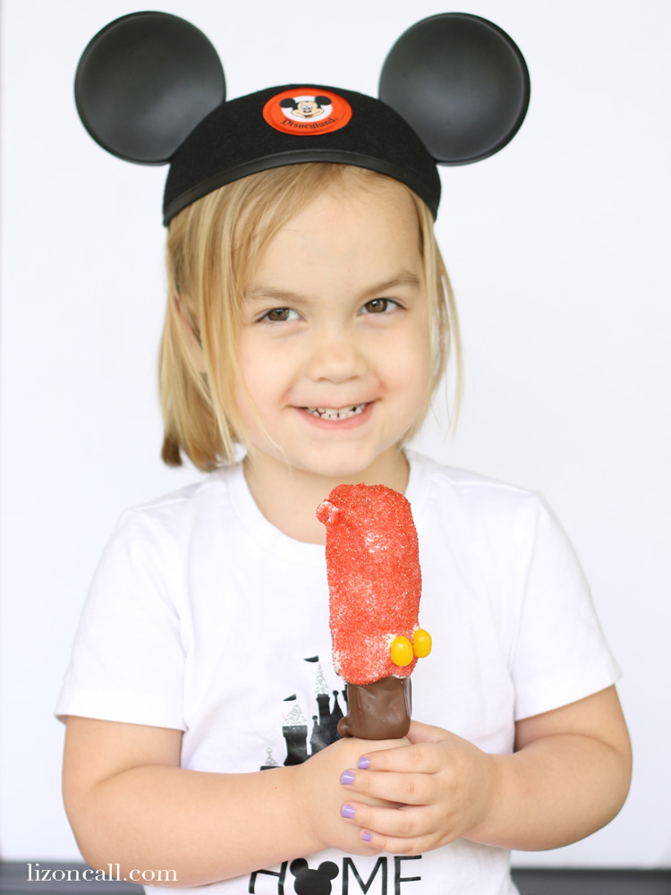 Create the magic of Disney right in your own home by making a classic Disney treat. These copycat Mickey Marshmallow Wands are so delicious.