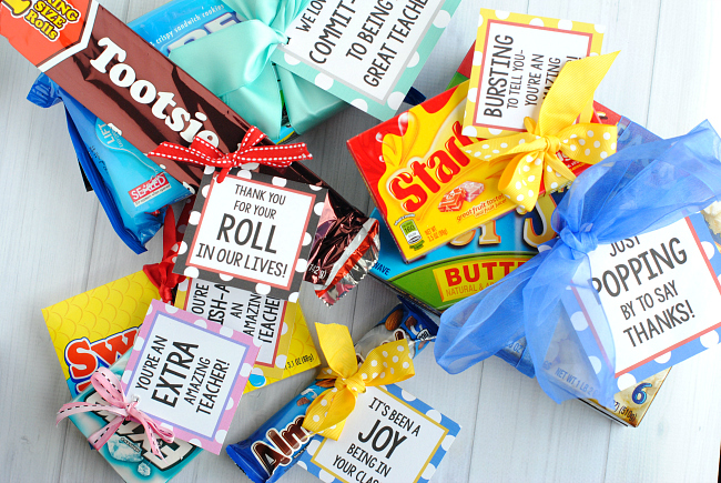 http://lizoncall.com/wp-content/uploads/2017/04/Teacherappreciationcandybars.jpg