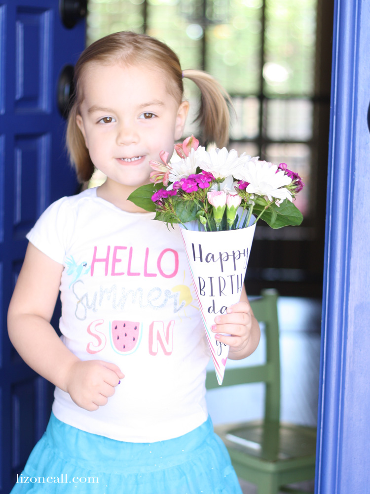 Brighten your loved ones birthday, and wrap up some store bought flowers with this free printable Happy Birthday flower wrapper.