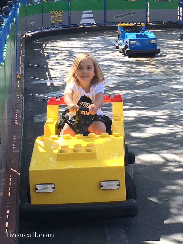 Planning a vacation for the family to Legoland?  Before you head to the park, make sure you know the best ages for Legoland California. #legolandcalifornia #familytravel