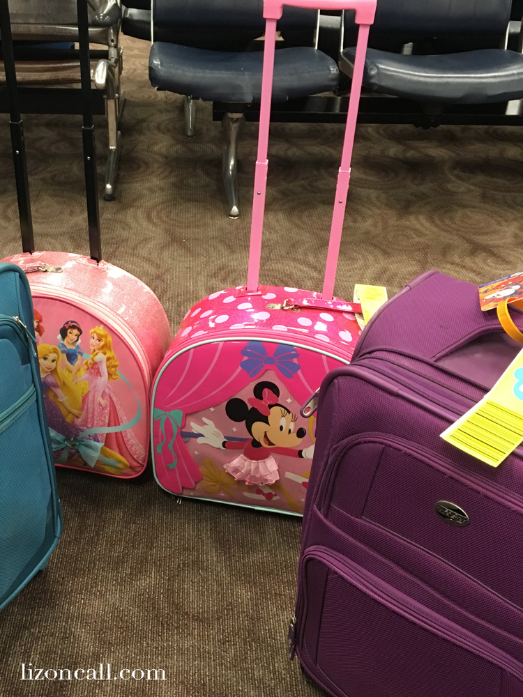 Packing for a family of 5 to spend a few days at Walt Disney World and aboard a Disney Cruise can be a little overwhelming. Here are my tips and printable packing list on how to pack for Walt Disney World and a Disney Cruise. #waltdisneyworld #disneycruise #packinglist