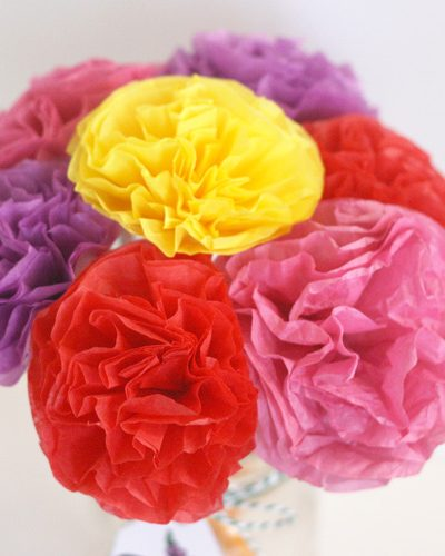 Teacher appreciation week is one of my kid's favorite weeks of the school year.  They love to give gifts of thanks to their teachers.  This year my daughter and I had fun making this DIY tissue paper flower bouquet for her teacher.