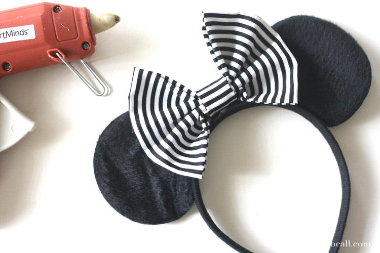 Just add this No Sew Minnie Bow to a basic pair of ears and you've got easy no sew Minnie ears for any occasion.