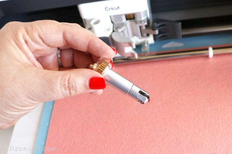 Cricut wavy blade cutting pink felt